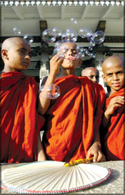622c5 sri lanka Child Monks 2 Buddhism, The Lack Of It And Abuses By Its Flag Bearers