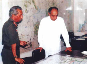 Briefing the President of the intended Vadamarachchi battle plan